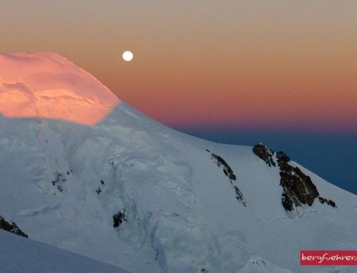Mont Blanc (4.810 m) bei Vollmond